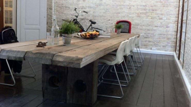 Table a manger en bois massif for Table de salle a manger en bois massif