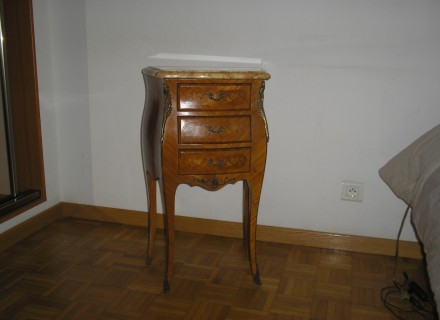 table de chevet usage a vendre