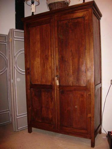 armoire chambre style colonial. Black Bedroom Furniture Sets. Home Design Ideas