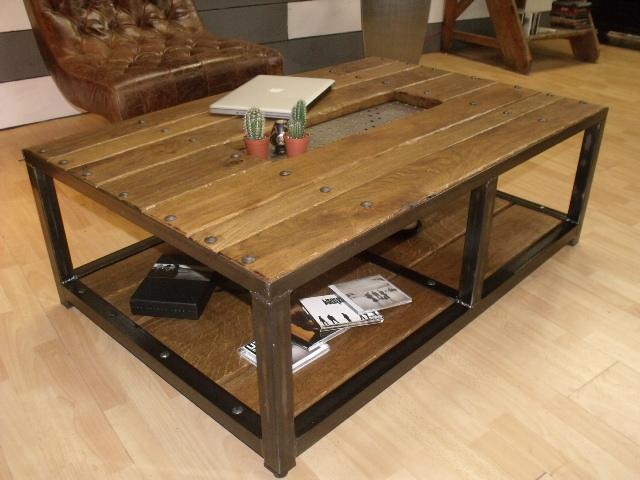 Table de salon industriel for Table basse industrielle blanche