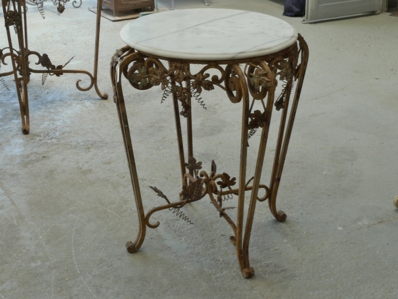 Table ronde en fer trendy table ronde en fer with table - Console fer forge conforama ...