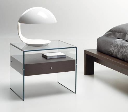 table de chevet design en verre. Black Bedroom Furniture Sets. Home Design Ideas