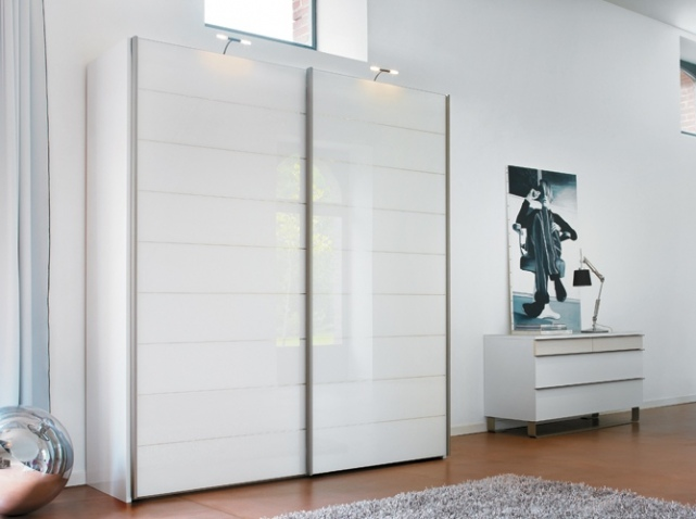 Armoire de chambre atlas for Modele armoire de chambre