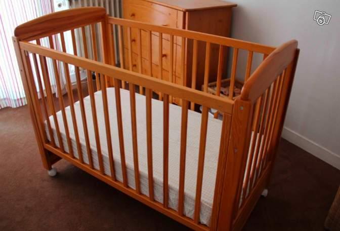 lit bebe sauthon kangourou. Black Bedroom Furniture Sets. Home Design Ideas