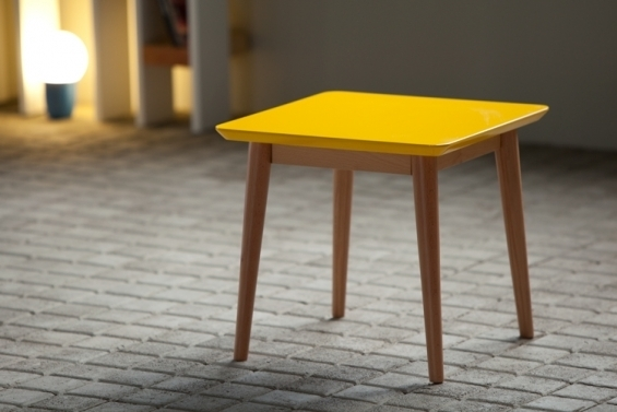 modèle table basse jaune