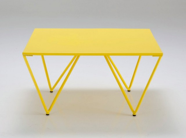 organisation table basse jaune