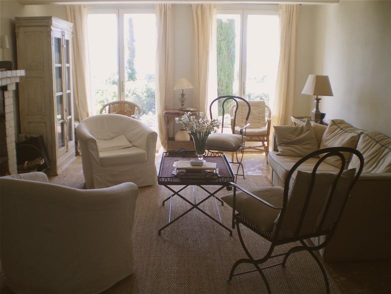 fauteuil de salon avec accoudoir. Black Bedroom Furniture Sets. Home Design Ideas