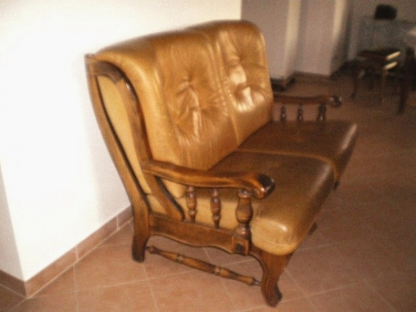 canap cuir fauve. Black Bedroom Furniture Sets. Home Design Ideas