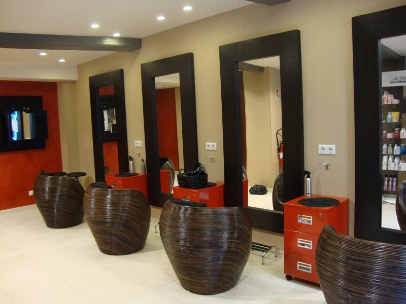 Materiel salon coiffure occasion votre nouveau blog for Mobilier salon de coiffure occasion