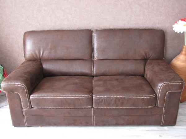 canap cuir retourn. Black Bedroom Furniture Sets. Home Design Ideas